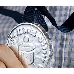 Czekoladowy medal z tasiemką